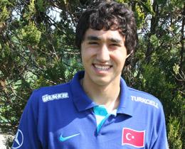 """Furkan Özçal: """"Türkiye için Almanya kariyerimi bitirdim!"""""""
