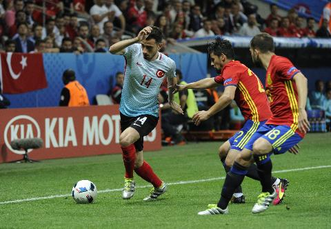 Euro 2016,  A Milli Takımımız, İspanya'ya 3-0 Yenildi